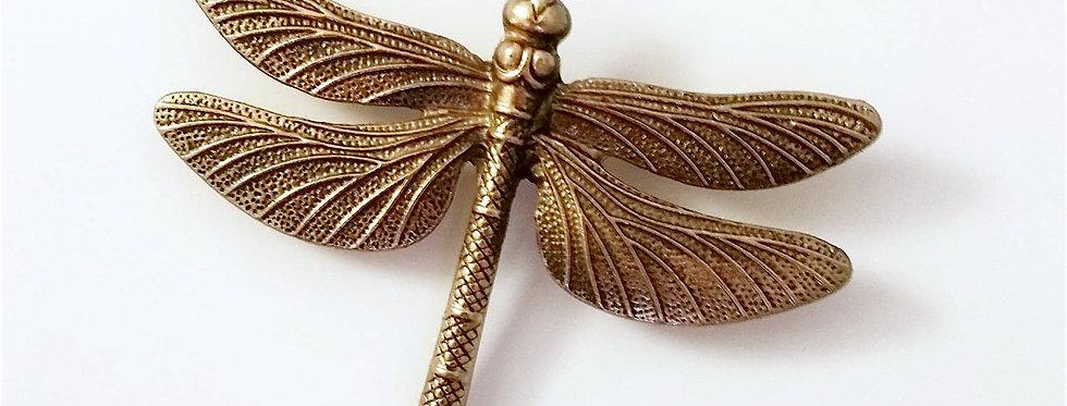 Dragonfly brooch, gold