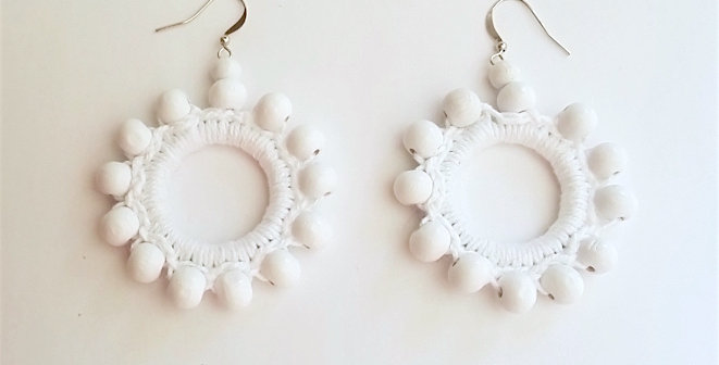 Sunflower earrings, White