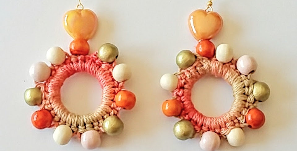 Sunflower earrings, Peach