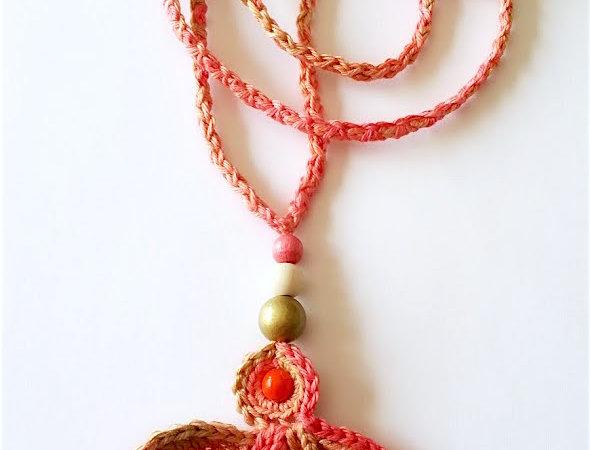 Fairytale pendant, peach