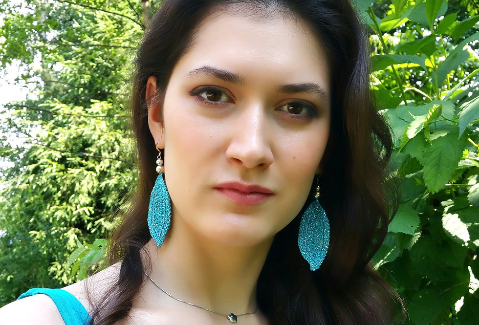 Leaf earrings, turquoise