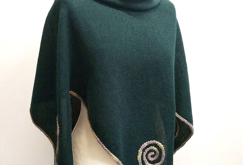 Rune poncho, dark green