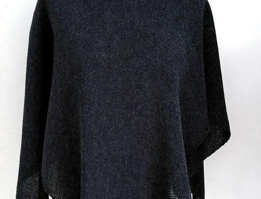 """Diamond Wings"" shawl (Black)"