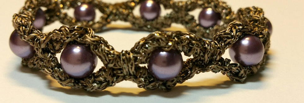 Lilac crocheted miss galaxy bracelet with wax pearls