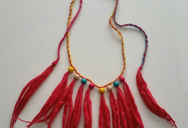 fire coloured crocheted woodO necklace