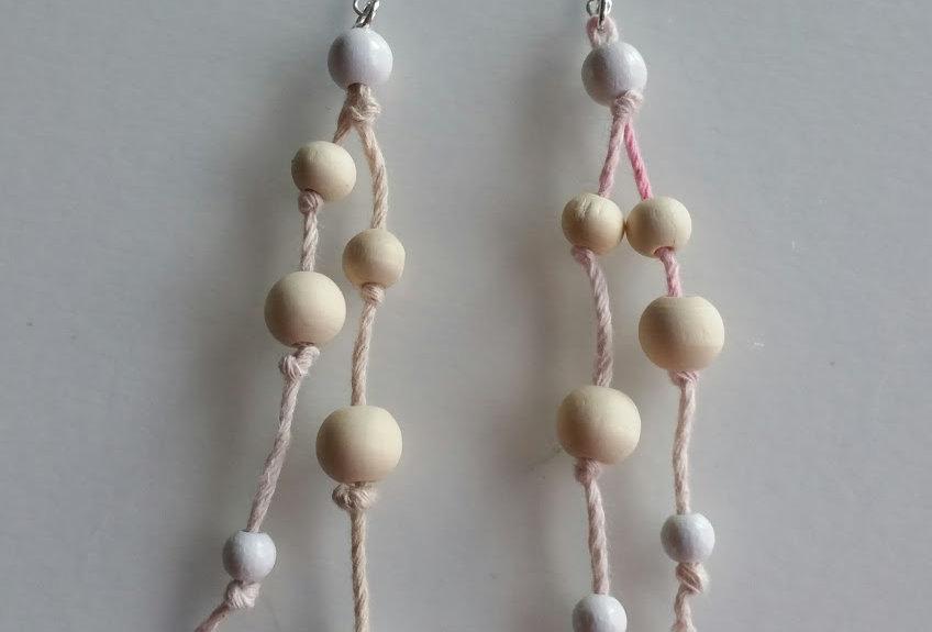 Kanteletar earrings, Light wood