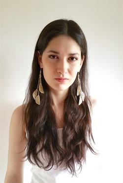 Source earrings, platinum gold