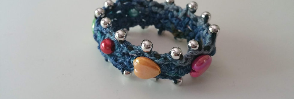blue crocheted saga bracelet