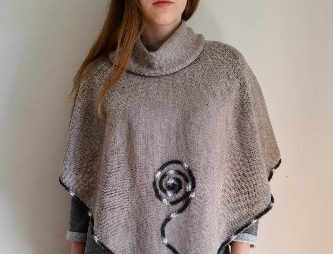 Viking poncho, natural