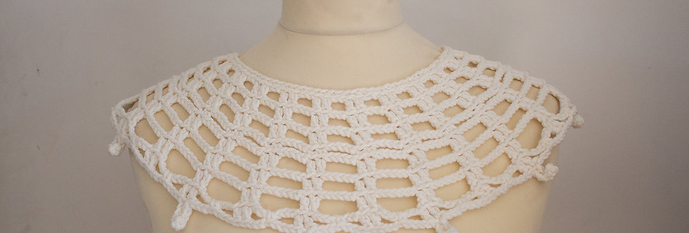 crocheted lace collar white
