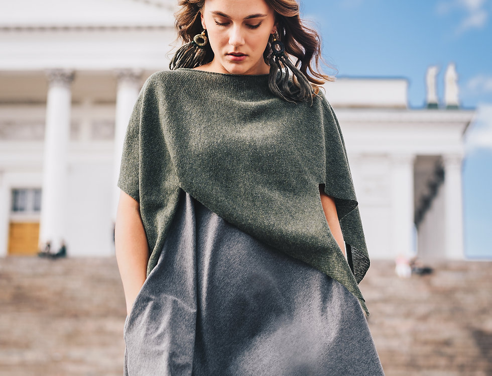 """""""Nordic Star"""" Poncho (forest green)"""
