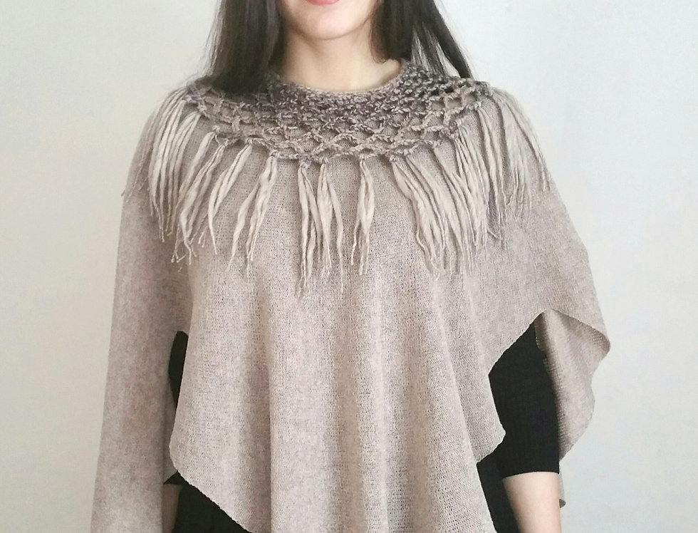 """Diamond Wings"" shawl (Sand)"