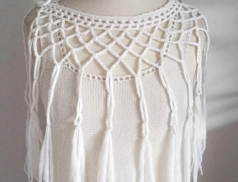 Louhi web, white