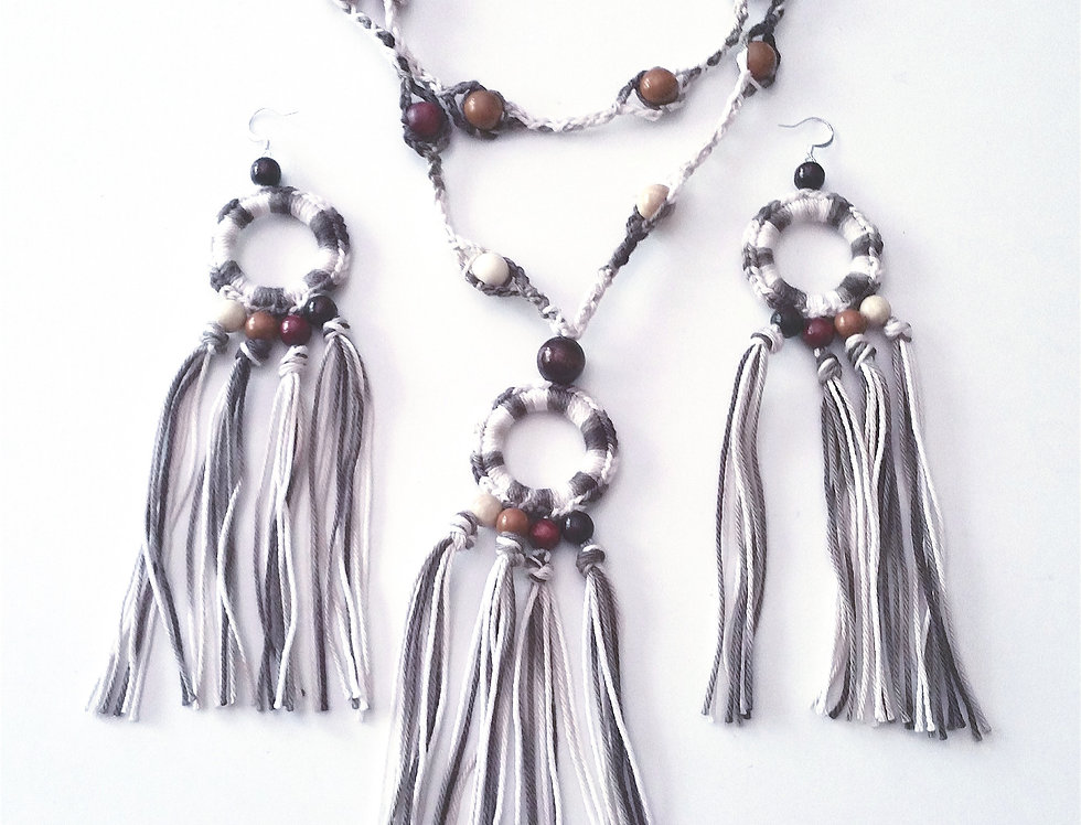 Sundrops jewelry set, sand