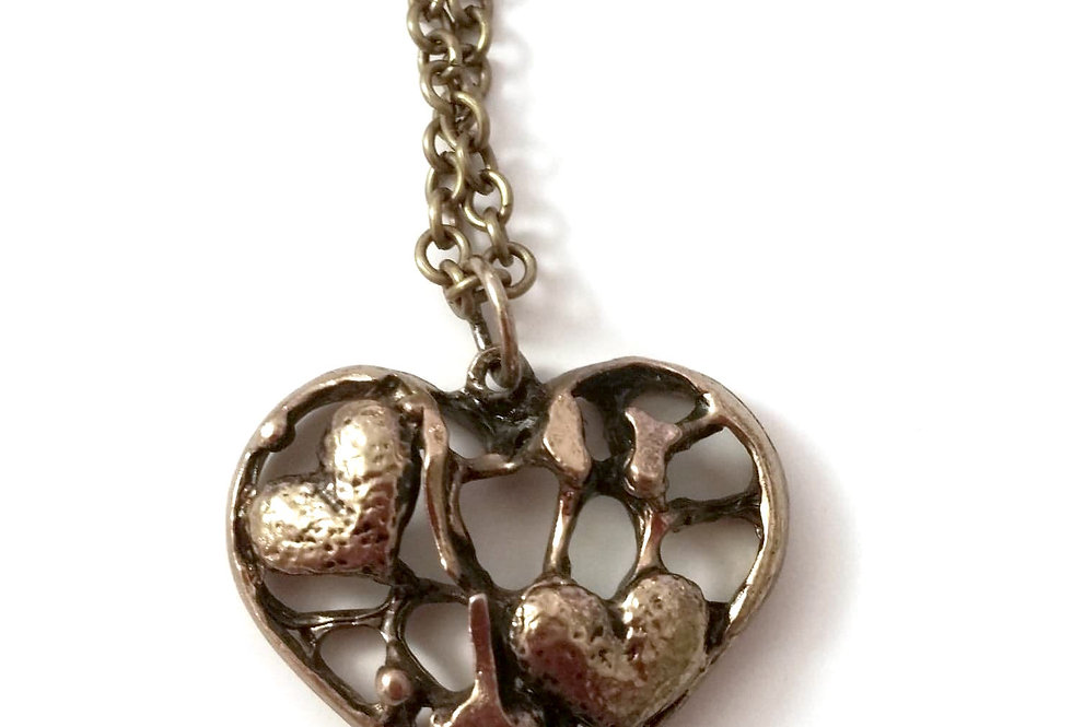 Heart necklace, gold