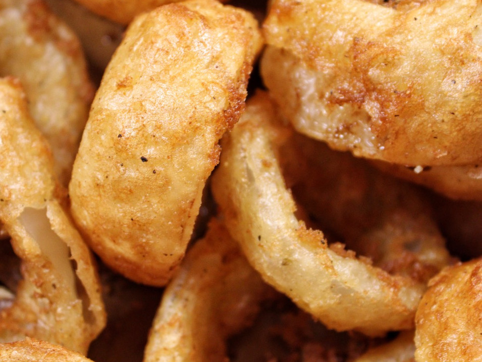 BEER BATTERED ONION RINGS | $3.5