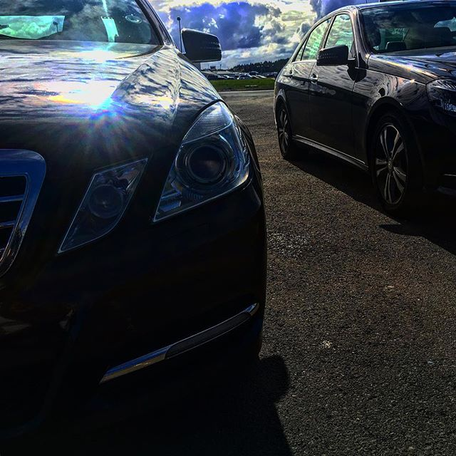 Two of our beauties in the sunlight!  Whois getting you on time & in style to your meeting in Icelan