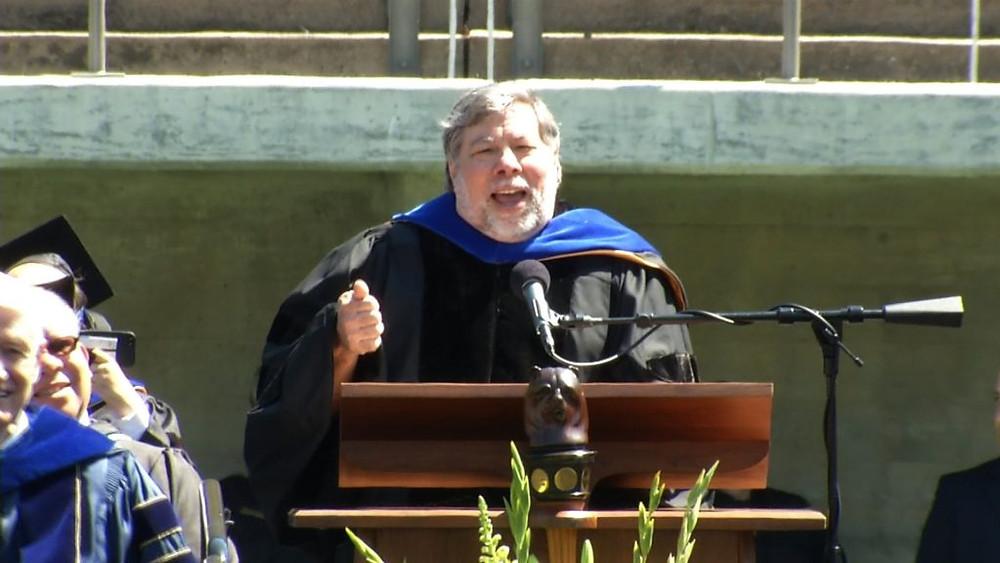 Позже, в 2013 году, Воз произнес выпускную речь в Калифорнийском институте в Беркли