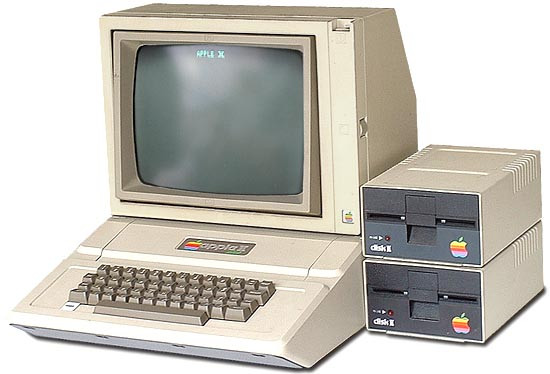 Компьютер Apple II во всей красе
