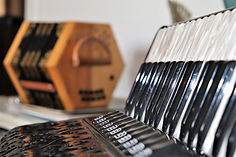 accordion-5002105_1920.jpg