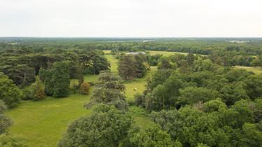 Photo par drone d'un paysage sur une propriété près de Poitiers, dans la Vienne 86