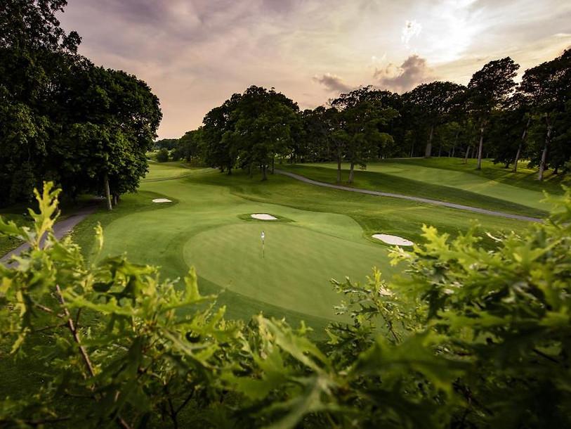 Beaufort Drone photo artistique réalisée pour visite parcours terrain de golf green trou communication promotion