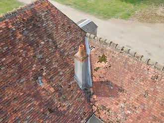 Inspection et constat photo par drone de dégâts sur une toiture dans les Deux Sèvres 79 à Niort