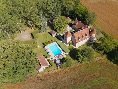 Propriété parc et château photo drone à Poitiers