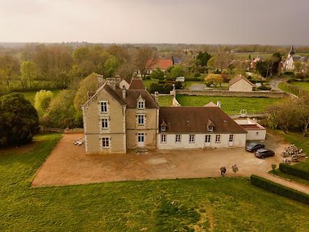 Photo aérienne par drone d'un Château en Berry dans l'Indre 36 près de Châteauroux