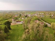 Photo aérienne par drone d'une commune en Berry, dans l'Indre 36 à Châteauroux