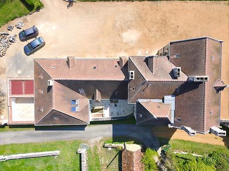 Photo par drone pour agences immobilières château en Berry dans l'Indre 36 près de Châteauroux
