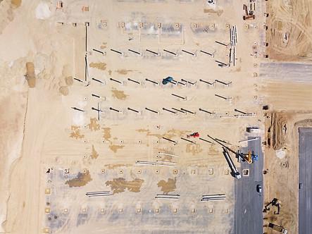 Photo drone pilote chantier construction