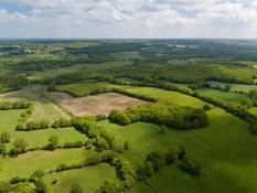 Photo paysagère par drone d'un territoire près de Niort, Deux Sèvres 79.