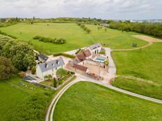 Photo aérienne par drone d'un gîte près de Tours en Indre et Loire 37
