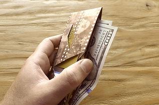 Collection Kamyno de portefeuilles origami en papier Tyvek, ultra-résistants, fins et légers.