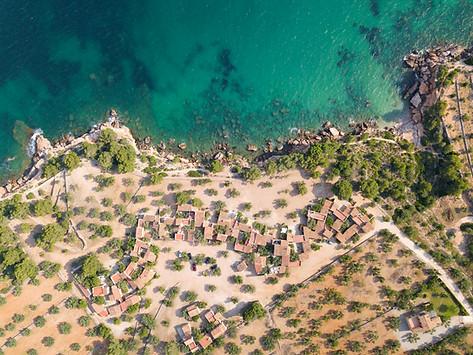 Photo drone hameau bord de mer