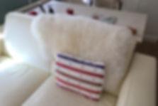 Peaux de mouton d'Argentine Kamyno. Une touche campagne pou la décoration des intérieurs modernes, chaleureuse et confortable