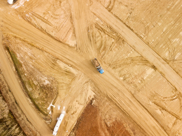 Photo artistique à l'aplomb de suivi de chantier par drone à Poitiers dans la Vienne 86