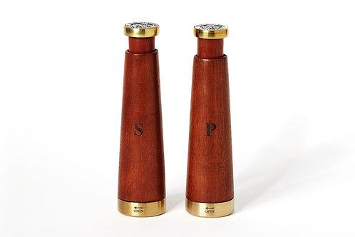 Salière et poivrier en bois