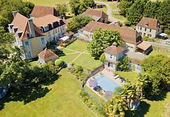 Propriété et château en Berry dans l'Indre près de Châteauroux