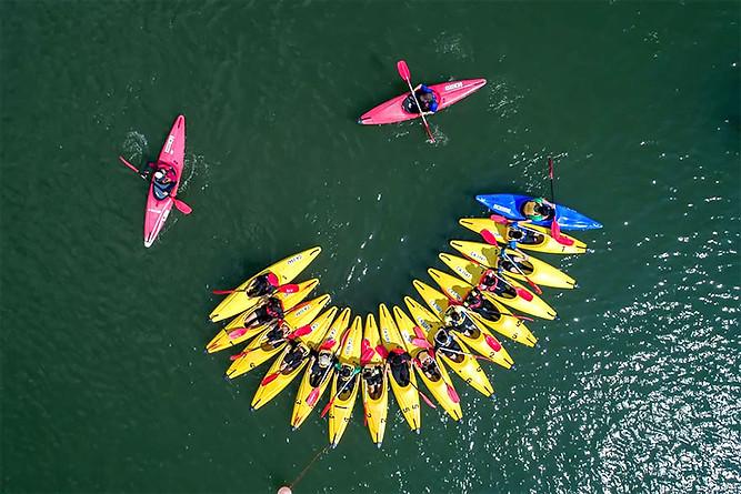 Exemple de photographie d'activité sportive plein air canöé paddle
