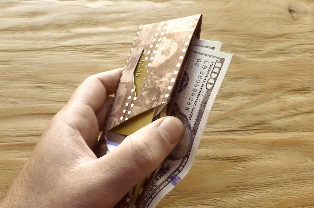 Kamyno tyvek wallet - the thinest and lightest in the world 2