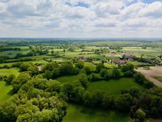 Photo paysagère par drone d'un territoire près de Châteauroux dans l'Indre 36.