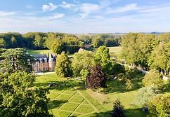 Photo par drone d'une propriété et son château dans l'Indre 36 près de Châteauroux
