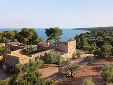 Photo drone villa bord de mer sud de la France