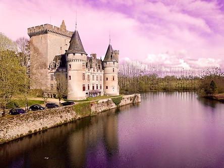 Propriété_chateau_en_drone_berry_indre_Châteauroux