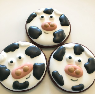 Cows from farm theme platter