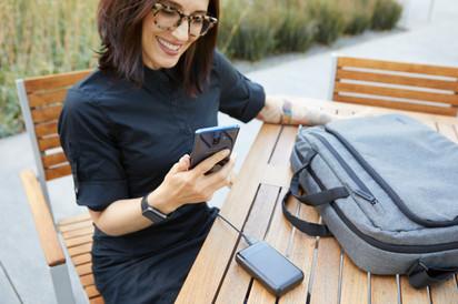 Belkin BOOST↑CHARGE™ Power Bank + Messenger Bag