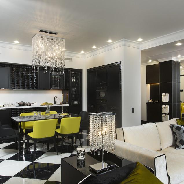 Черная кухня с белым фаруком