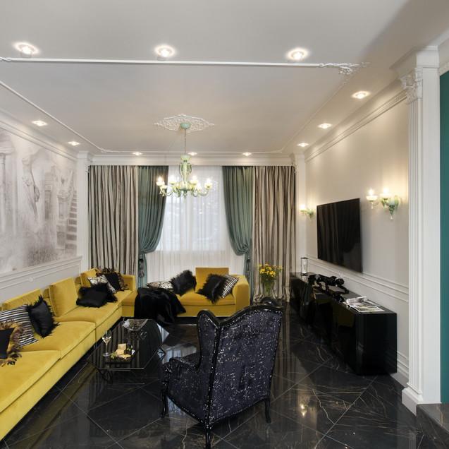 Дизайнерский диван в гостиной